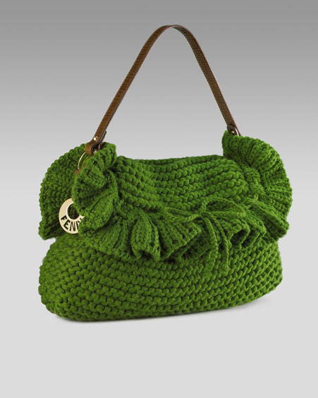 "Вязание спицами. Связанная спицами сумочка ""от Fendi""."
