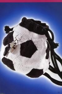 """Вязание крючком. Рюкзачок """"футбольный мяч""""."""