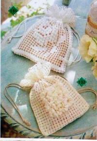 Вязание крючком. Маленькие сумочки - саше, связанные крючком.