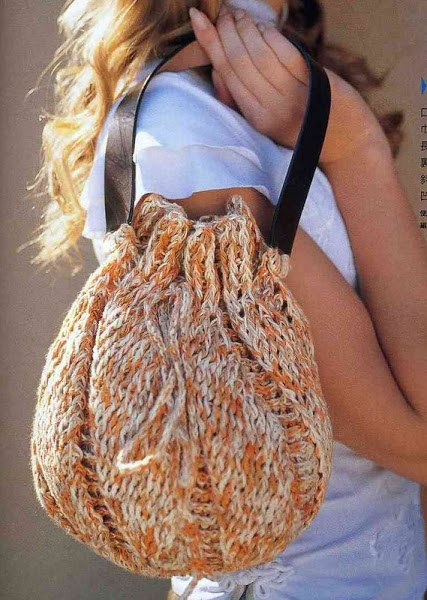 Вязание крючком. Маленькая сумочка - мешочек.